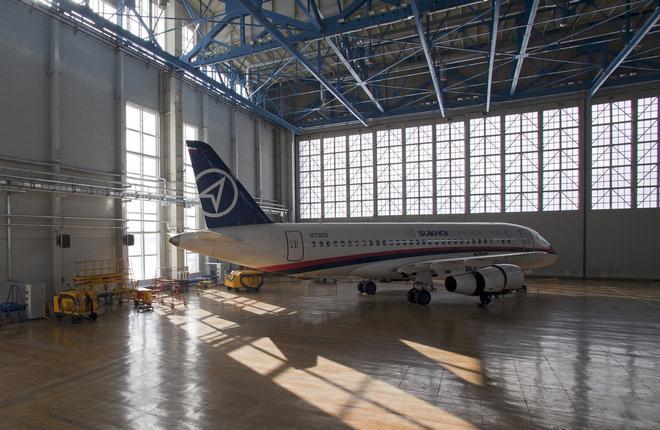 ssj100-zhukovsky-hangar-01.jpg