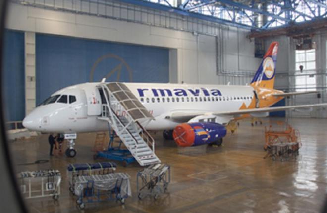 """Авиакомпания """"Армавиа"""" закажет еще три самолета Sukhoi Superjet 100"""