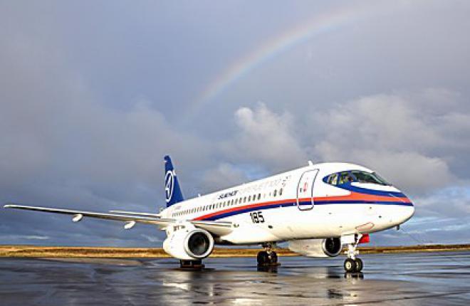 Самолет Sukhoi Superjet 100 сможет летать в аэропорт Пулково