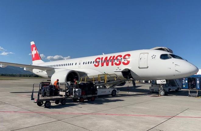 Авиакомпания Swiss,  самолет Airbus A220