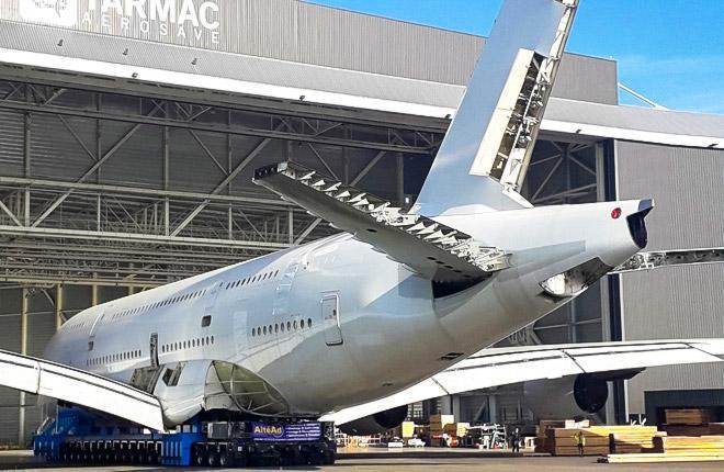 Tarmac Aerosave демонтирует А380