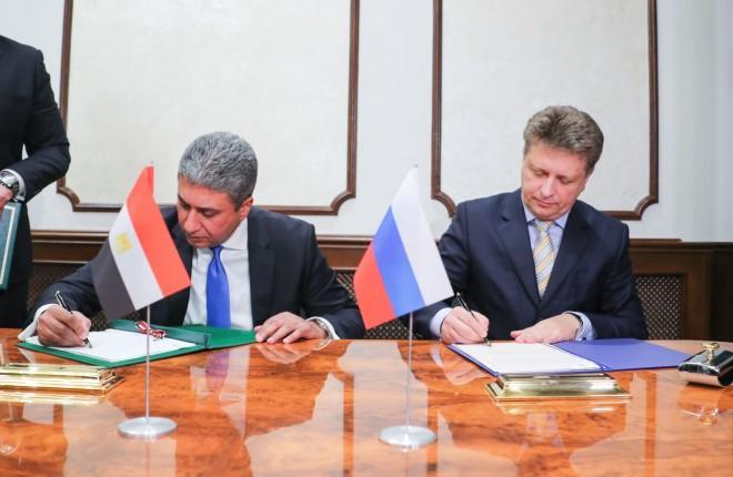 Министр транспорта РФ Максим Соколов и министр гражданской авиации Египта Шериф Фахти