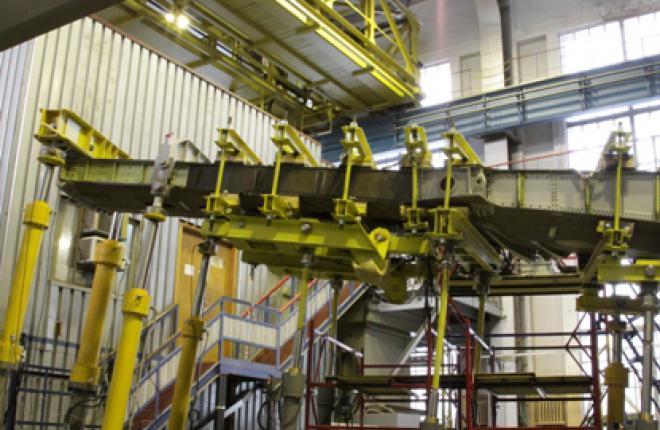 В ЦАГИ прошли испытания кессона крыла самолета МС-21