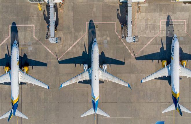 самолеты МАУ в аэропорту Борисполь