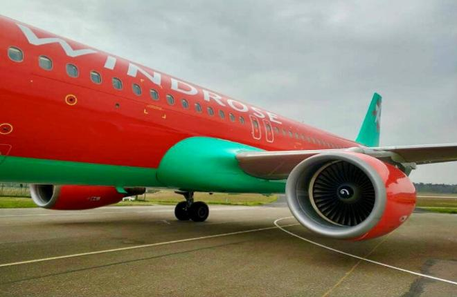 самолет Airbus A320 от WindRose