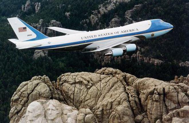 Американских президентов будут возить на самолете Boeing 747-8