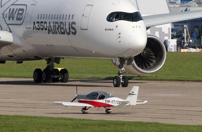 самолеты на МАКС