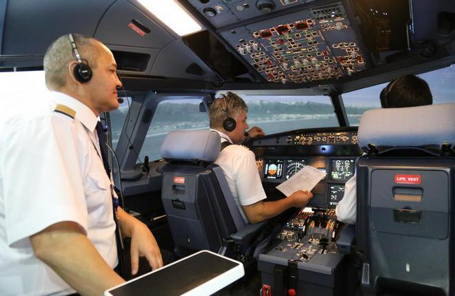 Полнопилотажный тренажер Boeing 767