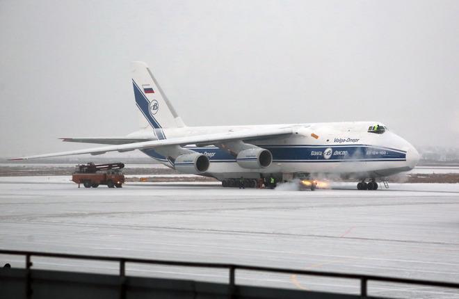 """Самолет Ан-124-100 авиакомпании """"Волга-Днепр"""""""