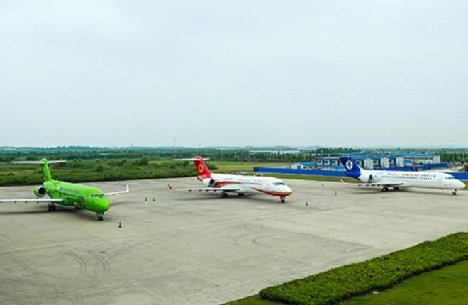 COMAC поставила сразу три самолетаARJ21-700