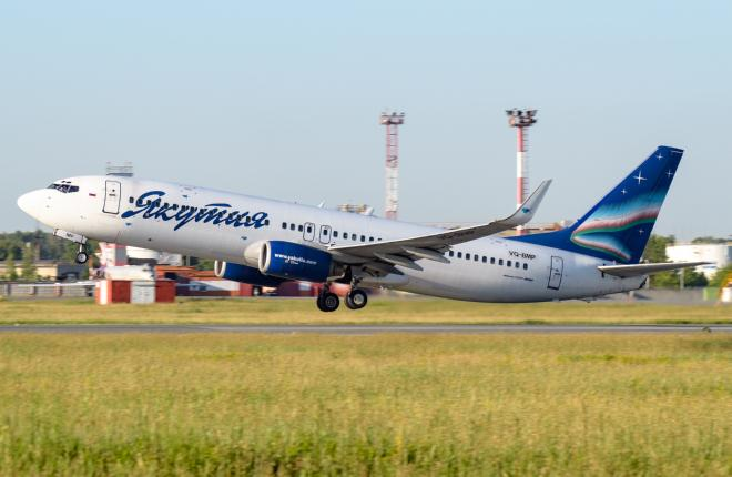 """Самолет Boeing 737-800 авиакомпании """"Якутия"""""""