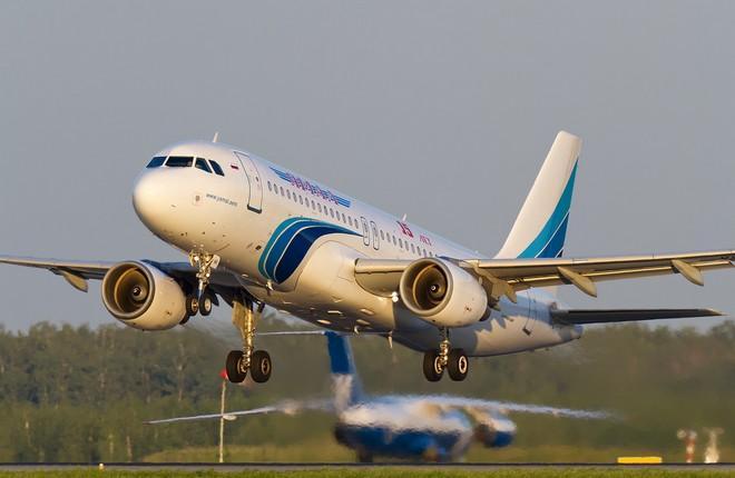 "Самолет Airbus A320 авиакомпании ""Ямал"""