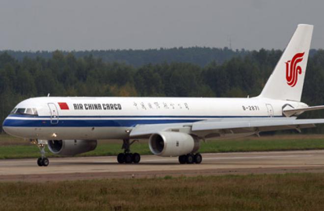 Первый Ту-204-120CE авиакомпании Air China Cargo (фото - Леонид Фаерберг)