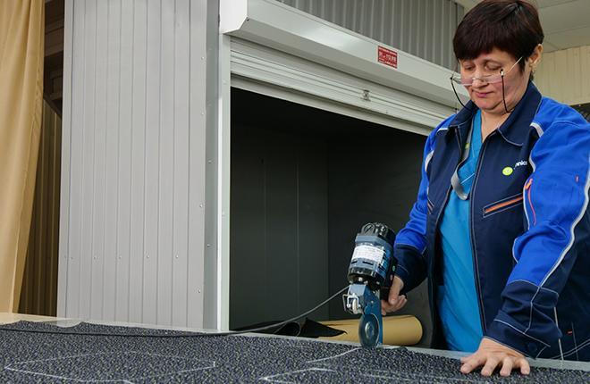 раскрой коврового покрытия