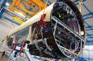 Airbus предустанавливает 65% всех систем верхней палубы изображенной секции фю